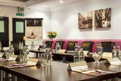 mercure-london-kensington-hotel-the-cromwell
