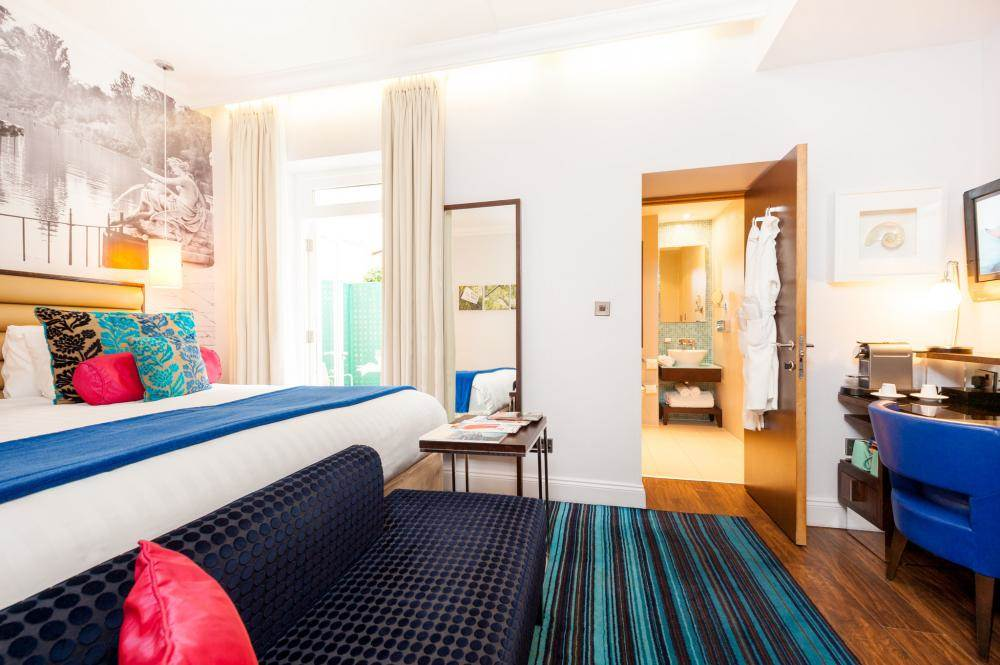 Hotel Indigo London Paddington-Standard-Queen-Room.jpg